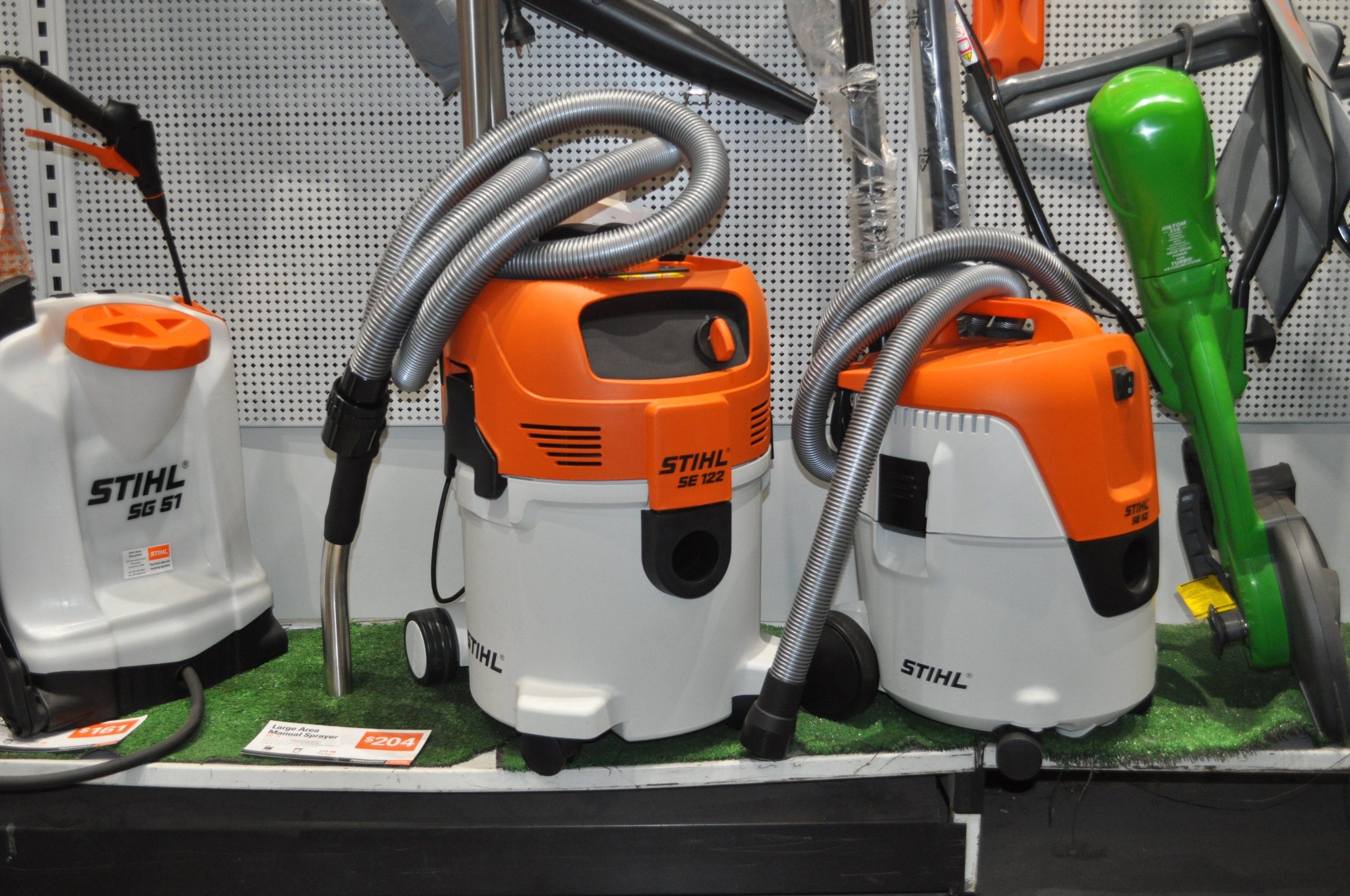 Stihl-Large-Manual-Sprayer-1024x680
